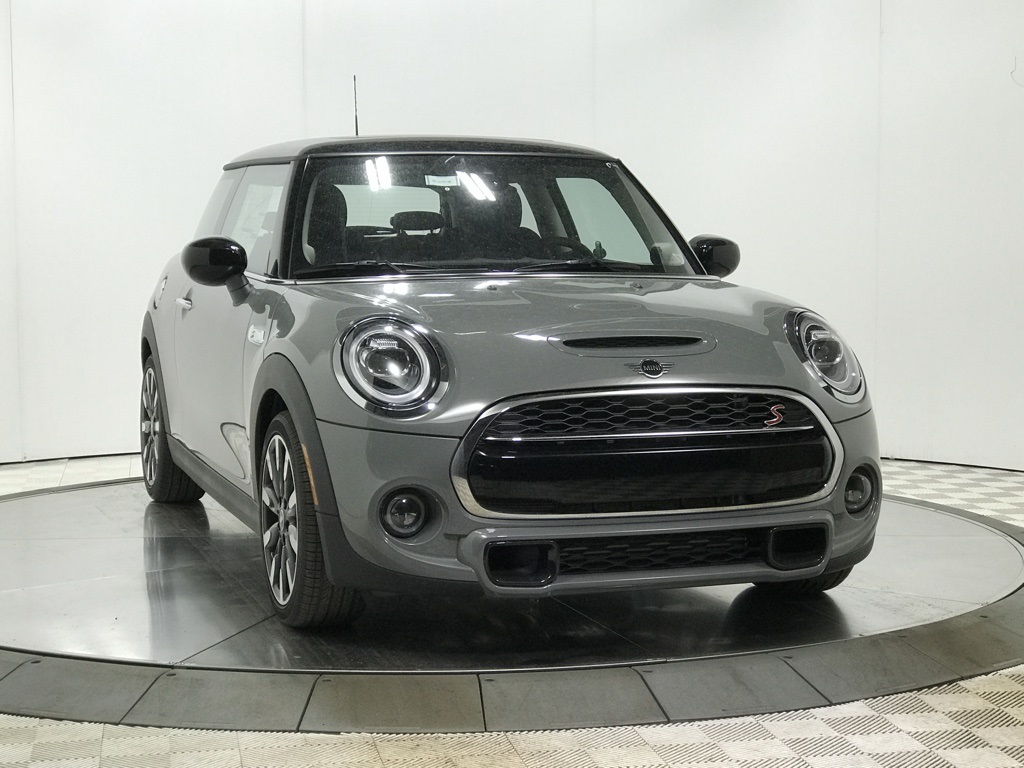 Courtesy Loaner 2020 MINI Cooper S Hardtop 2 Door Signature / Navigation