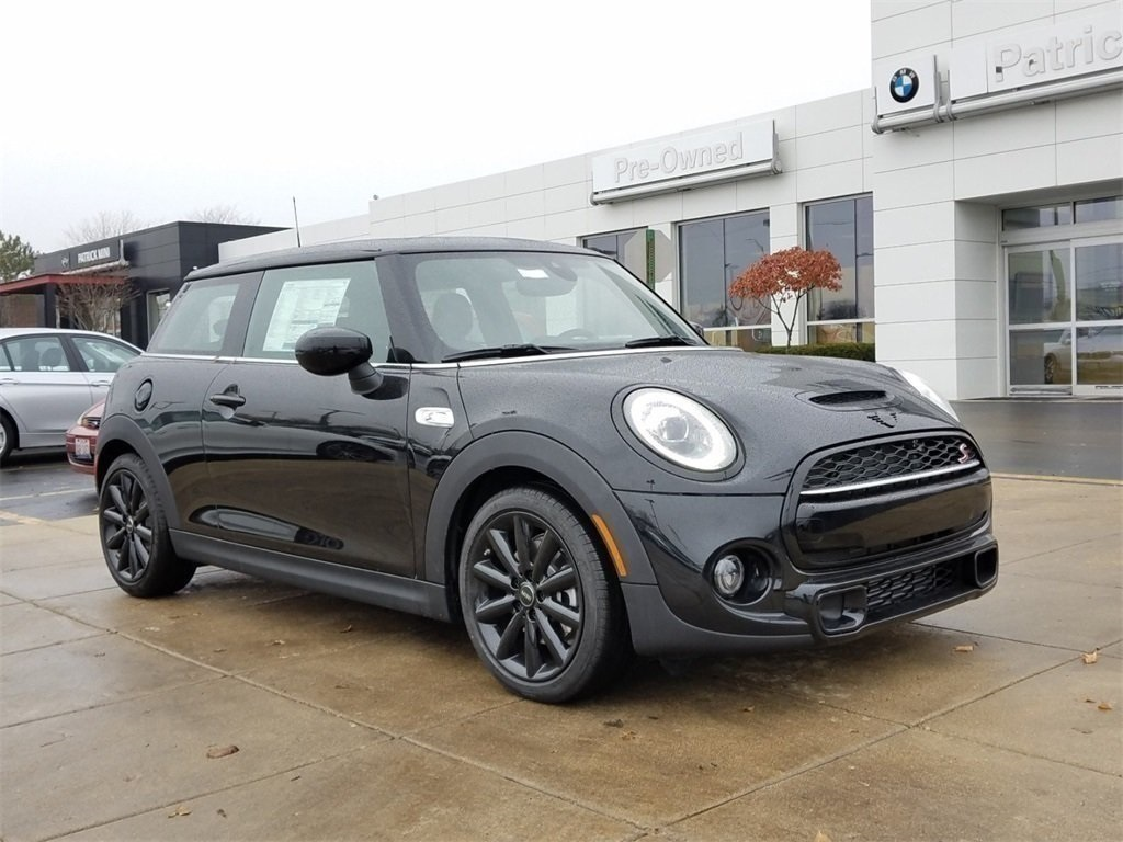 New 2020 MINI Cooper S Hardtop 2 Door Iconic / Navigation