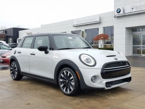 New 2020 MINI Cooper S Hardtop 4 Door Iconic / Navigation
